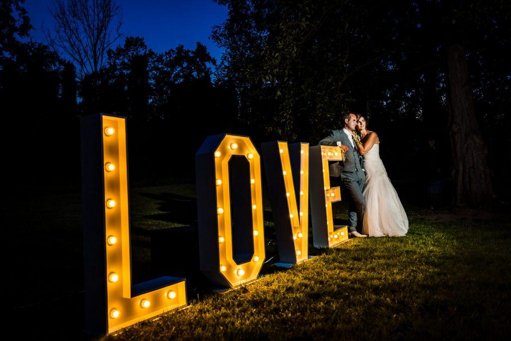 Huwelijksfeest in je eigentuin | Trouwfotograaf Limburg